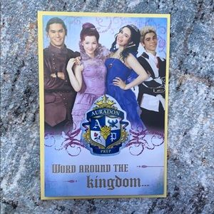 Bundle up❗️Descendants birthday card with a magnet